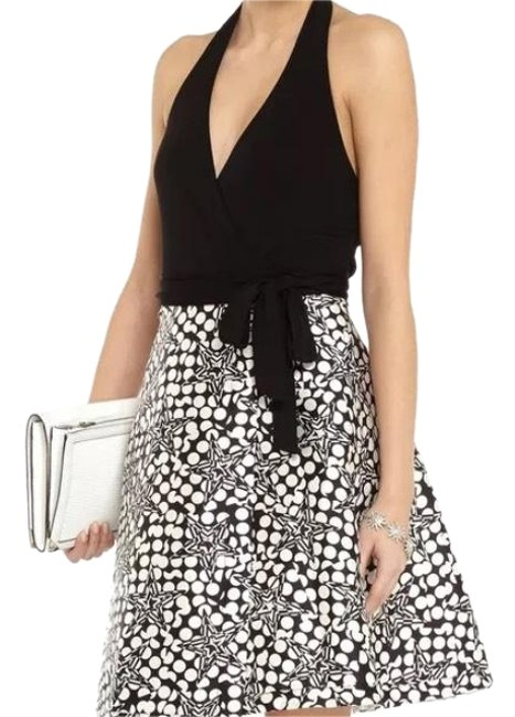 Preload https://img-static.tradesy.com/item/21004417/diane-von-furstenberg-black-and-white-amelia-wrap-halter-mid-length-cocktail-dress-size-10-m-0-3-650-650.jpg