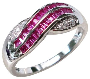 9.2.5 Amazing ruby and white sapphire wave band ring size 8