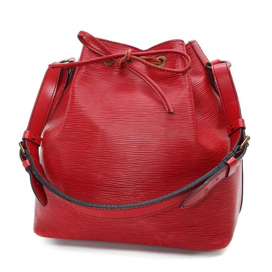 Preload https://img-static.tradesy.com/item/21004965/louis-vuitton-petit-noe-leather-m44107-drawstring-tote-red-shoulder-bag-0-0-540-540.jpg