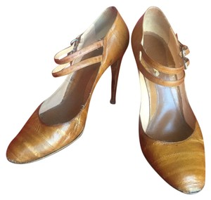 Sergio Rossi Different shades of Camel Color Pumps