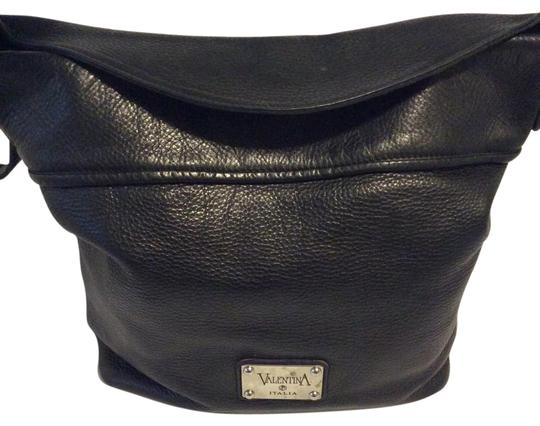 Preload https://img-static.tradesy.com/item/21005432/valentina-black-leather-shoulder-bag-0-1-540-540.jpg