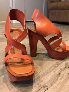 Charles Jourdan Leather High Heel Summer Rust and Tan Platforms