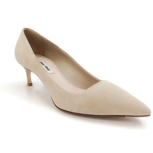 Miu Miu natural Pumps