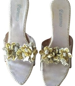 Faramo clear with flower detailing across footbed Sandals