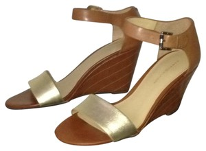 Tommy Hilfiger tan and gold Wedges