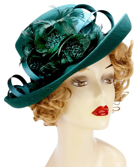 Preload https://img-static.tradesy.com/item/21007120/green-formal-dressy-church-hat-0-1-540-540.jpg