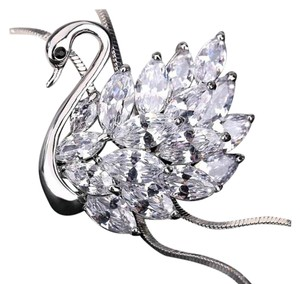 Swarovski Luxury 10K Platinum Swan Necklace with Swarovski Elements