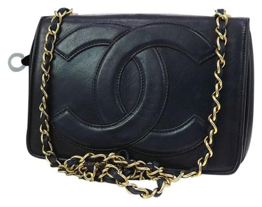 Preload https://img-static.tradesy.com/item/2100753/chanel-quilted-cc-single-chain-shoulder-navy-lamb-skin-leather-cross-body-bag-0-3-540-540.jpg