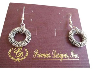 Premier Designs RUNWAY Fishhook Earrings New On Card