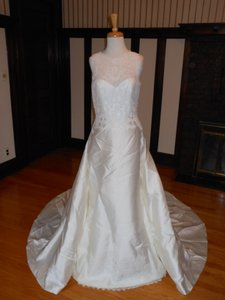 Pronovias Grace Wedding Dress