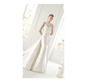 Pronovias Off White Satin Grace Destination Wedding Dress Size 4 (S)