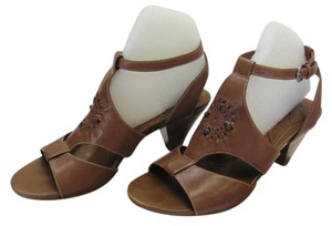 Naya Leather Size 8.50 M Very Good Condition Brown Sandals