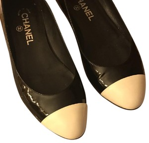 Chanel Black/White Flats