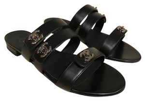Chanel Turnlock Leather black Sandals