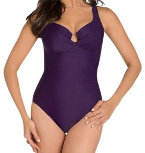Miraclesuit Must Have Escape DD Notched V-Neck Underwire One Piece + swim skirt