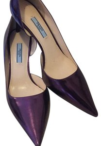 Prada metallic purple/lavender Pumps