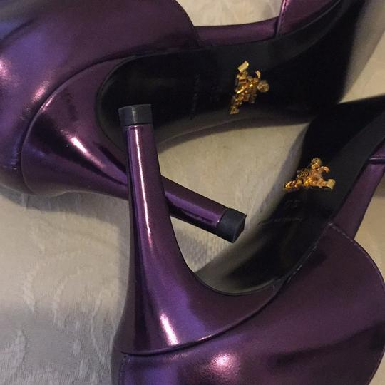 Prada metallic purple/lavender Pumps Image 7