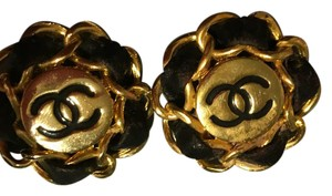 Chanel vintage leather-woven clip-on earrings