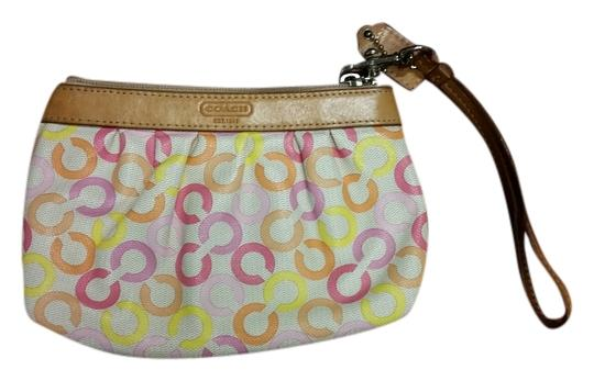 Preload https://item4.tradesy.com/images/coach-monogram-multicolor-wristlet-2101428-0-0.jpg?width=440&height=440