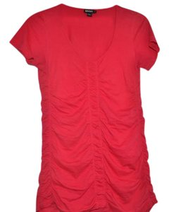 DKNY T Shirt fuchsia red