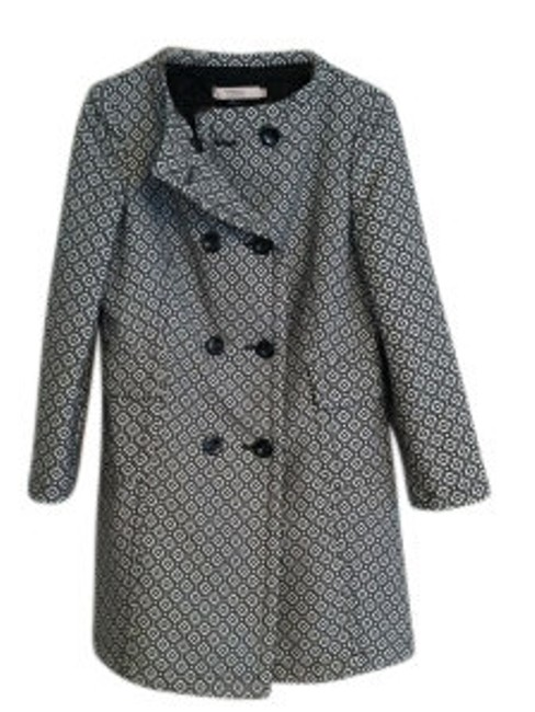 Preload https://item1.tradesy.com/images/valentino-black-and-white-graphic-pea-coat-size-6-s-21015-0-0.jpg?width=400&height=650
