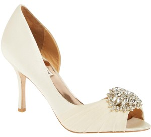 Badgley Mischka Badgley Mischka 'pearson' Pump Wedding Shoes