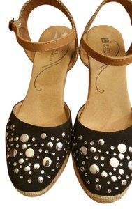 White Mountain Ankle Strap Rope Finish Heel Black/Silver Studs Black/Silver/Tan Wedges