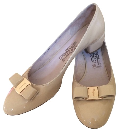 Preload https://img-static.tradesy.com/item/2101640/salvatore-ferragamo-beige-pumps-size-us-95-regular-m-b-0-0-540-540.jpg