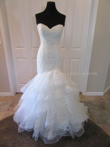 Essense of Australia Ivory Lace & Tulle D1974 Feminine Wedding Dress Size 10 (M)