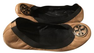 Tory Burch Beige and black Flats