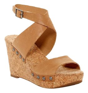 Lucky Brand Distressed Brown Tan Dress Casual beige Sandals