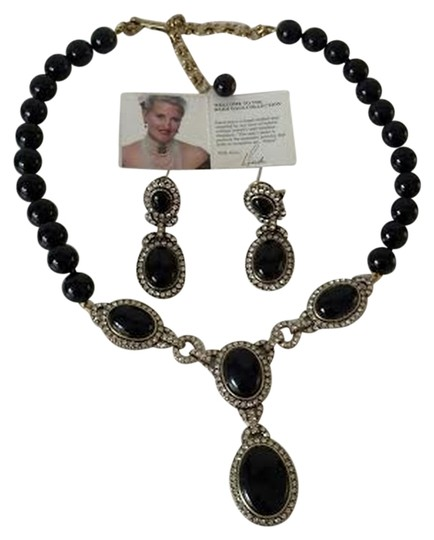 Preload https://item3.tradesy.com/images/heidi-daus-heidi-daus-royal-treatment-cabochon-drop-necklace-and-earring-set-2101867-0-0.jpg?width=440&height=440