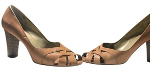 Merona Tan Beige Pumps