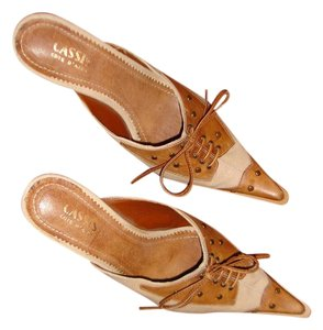 Cassis Cote d'Azure Vegan Spectator Almost New Pointy Beige/Luggage Spectator Mules