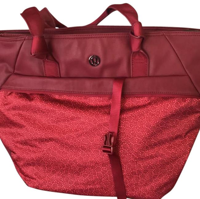 Item - With Shoe Cherry Red Weekend/Travel Bag