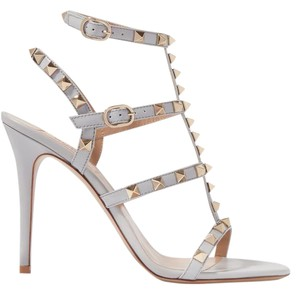 Valentino Rockstud Cage New Patent Leather light gray Sandals