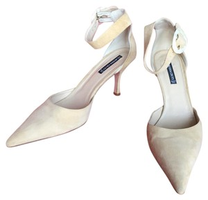 Claudia Ciuti Light Tan Pumps