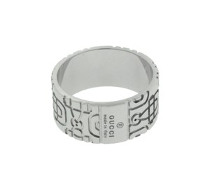 Gucci Gucci Icon Logo women's ring in 18k white gold new in box size 7.5
