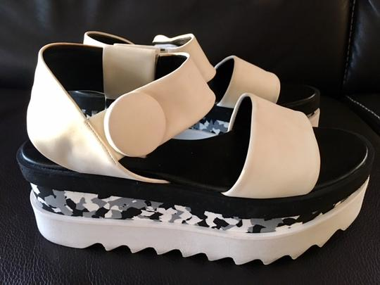 Stella McCartney Cornelia Strappy Sandals Wedges And Black/White Platforms Image 7