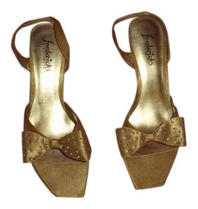 FRESERICKS OF HOLLYWOOD GOLD Pumps