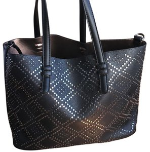 Urban Expressions Tote in Black