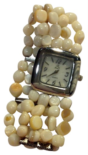 Preload https://img-static.tradesy.com/item/21024475/ivory-bead-quartz-watch-0-1-540-540.jpg