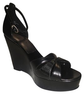 Guess By Marciano Man-made Materials Black Wedges