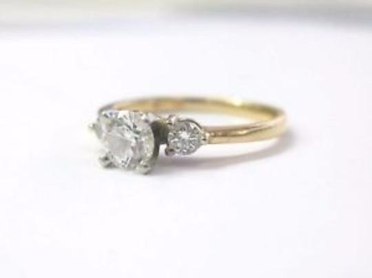 Other Fine 3-Stone Diamond Yellow Gold Engagement Ring .90Ct F-VVS2