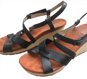 Wolky black Wedges