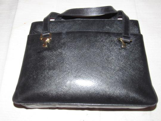 Gucci Large And Roomy Multiple Compartment Dressy Or Casual Great For Everyday Mint Vintage Shoulder Bag