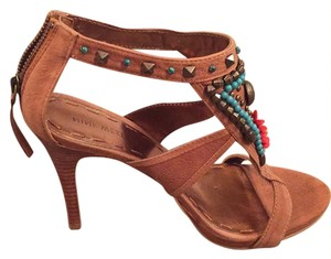Nine West brown with turquoise and coral beads Platforms