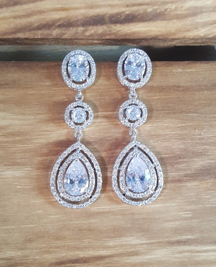 Rhodium Plated Brilliant Cubic Zirconia Drop Earrings/Wedding Earrings