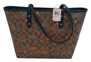 Coach Tote in Khaki Blue