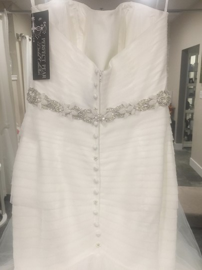 Allure Bridals Ivory Tulle 9317 Formal Wedding Dress Size 8 (M)